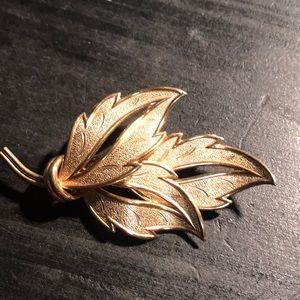 Lovely textured leaf light goldtone Coro brooch